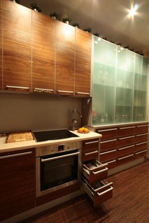 Кухня с деталями Безсколов